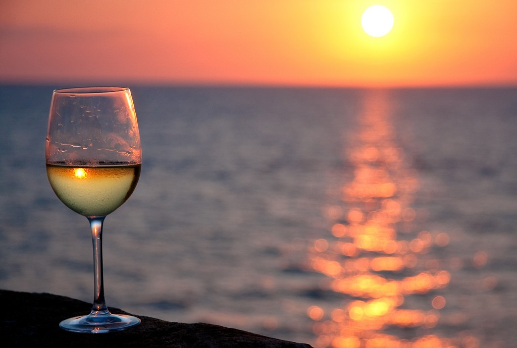 apulia-white-wine-glass-and-sunset